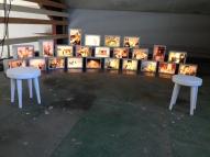 Utstilling 4 installasjon av historiske bilder Vibeke